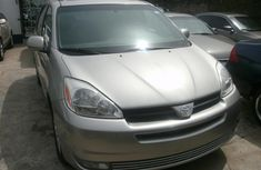 2004 Silver Toyota Sienna XLE for sale