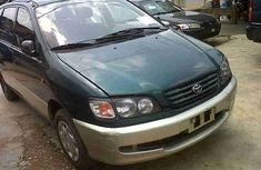 Clean neat Toyota Picnic 2001 FOR SALE