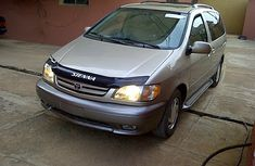 Buy and drive Toyota Sienna 2002 Gold for sale