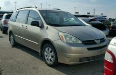 Good used Toyota Sienna 2012 Gold for sale