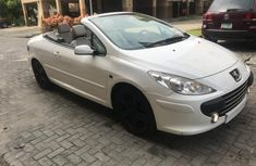 CLEAN 2005 WHITE PEUGEOT  307 CONVERTIBLE FOR SALE