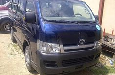 Clean neat Toyota Hiace buss 2005 Blue for sale