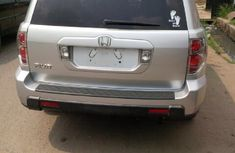 Clean neat Honda Pilot 2003 silver for sale