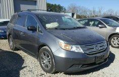 2009 Honda Odyssey grey for sale.