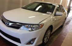 2014 Toyota Camry HYBRID White for sale