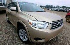 Toks Toyota Highlander 2010 gold for sale