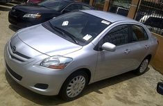 Very clan Toyota Yaris 2007 model silver for sale with full auction