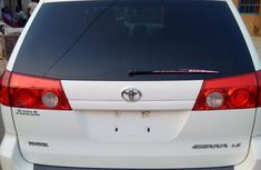 2005 Toyota Sienna white for sale