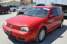 Clean  Volkswagen Golf4 2004 red for sale