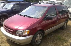 1999 Toyota Sienna red for sale
