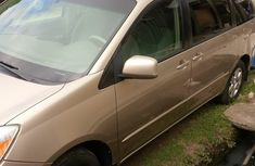 Neatly used Toyota Sienna 2005 for sale