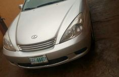 Well maintained Lexus ES300 2005 Silver