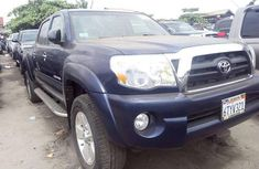 2009 Toyota Tacoma Automatic Petrol well maintained for sale
