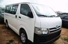 Clean direct tokumbo Toyota Hiace bus 2009 white for Sell.