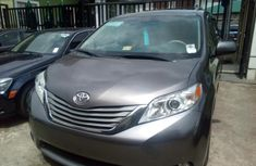 Toyota Sienna 2014 ₦9,000,000 for sale