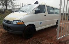 Toyota HiAce 2002 Petrol Manual White for sale