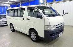Toyota Hiace bus 2007 white for sale