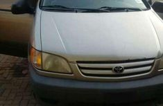 Tokunbo 1999 TOYOTA Sienna CE FOR SALE