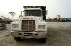 Mack  VISION truck  2002 FOR SALE