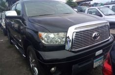 Toyota Tunra 2010 for sale