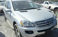 CLEAN 2010 SILVER MERCEDES BENZ ML350 FOR SALE