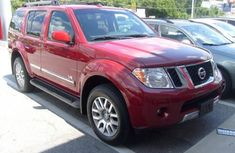 Good used 2018 Nissan Pathfinder red for sale