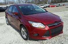 Well kept 2012 sound Ford Focus red for sale cheap and affordable price