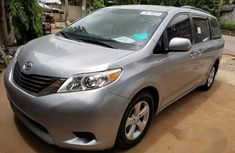 Tokunbo Toyota Sienna 2011 Gray for sale