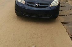 Toyota Sienna 2009 Blue for sale