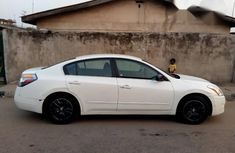 Nissan Altima 2009 White For Sale