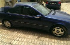Neatly Maintained Mercedes Benz C200 2000 Blue for sale