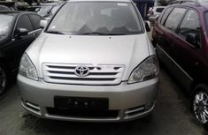 2000 Toyota Avensis Automatic  FOR SALE