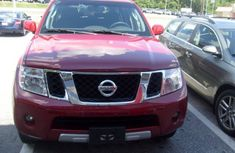 Good used 2009 Nissan Pathfinder red for sale