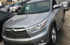 Toyota Highlander 2014 Gray for sale