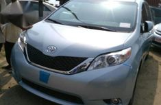 Toyota Sienna 2014 Blue for sale