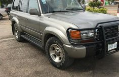 Clean Toyota Land Cruiser 2000 for sale