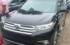 Almost brand new Toyota Highlander Petrol 2013 for sale