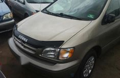 Toyota Sienna 1998 Gold for sale