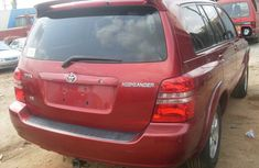 Toks Toyota Highlander 2005 red for sale with the fullest options