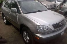 Direct tokunbo Lexus Rx300 2005 silver for sale