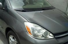 Toyota Sienna XLE 2006 Gray for sale