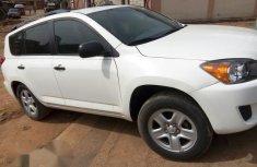 Toyota RAV4 2010 White for sale