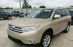 Toyota Highlander 2014 Gold for sale