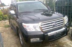 Toks Black Toyota Landcruiser 2009 model for sale with the fullest options buy and drive