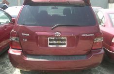 Toks .2007 MODEL RED TOYOTA HIGHLANDER FOR SALE with the fullest option buy and drive vehicle.