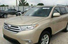Toyota Highlander 2014 Gold for sale