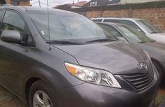Very clean Toyota Sienna XLE 2008 Grey for sale