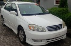 Fulling loaded Toyota Corolla sport 2004 white for sale