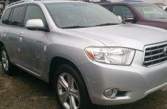 2009 Clean Toyota Highlander silver