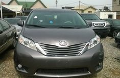 2012 Toyota Sienna Xle for sale